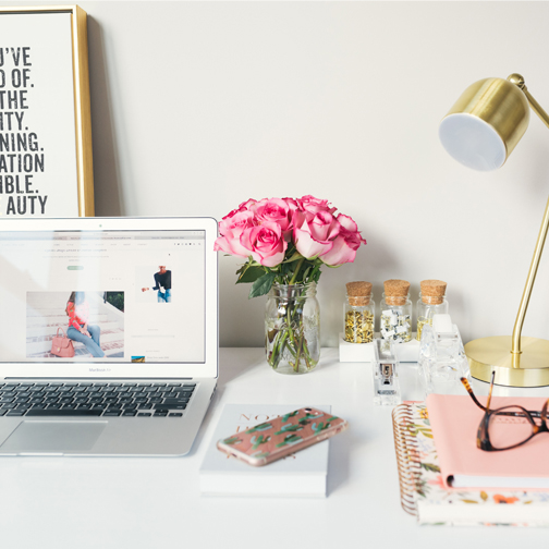 4 Fundamental Rules to Keeping a Tidy Desk's featured image