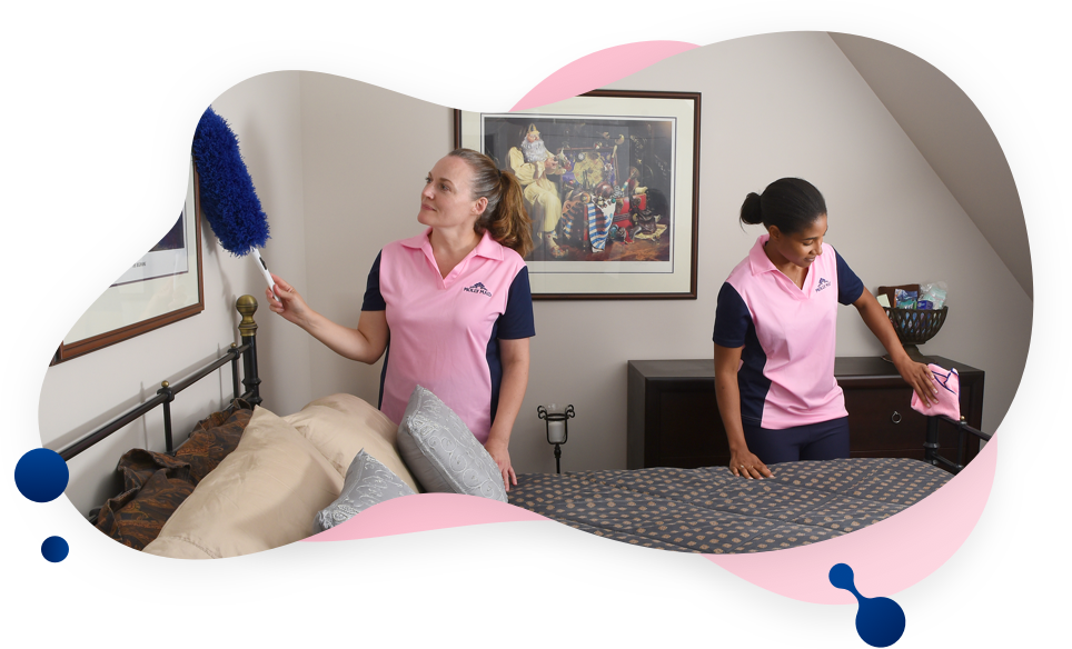 MOLLY MAID cleaners cleaning bedroom
