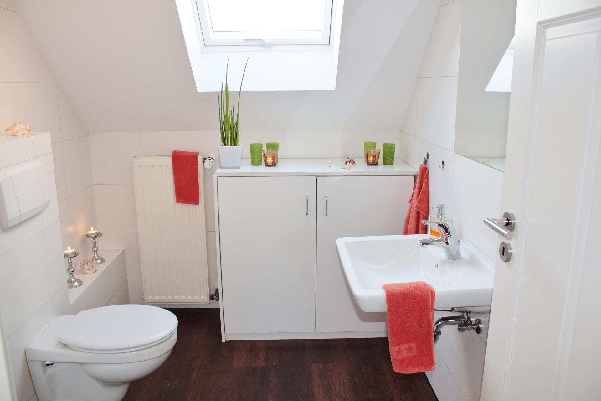 Tips to Keep Your Bathroom Smelling Fresh's featured image
